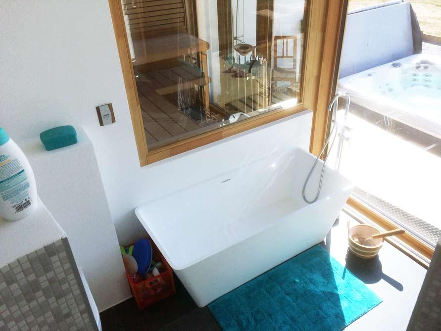 Bäder-Idee mit der freistehenden Badewanne Ancona