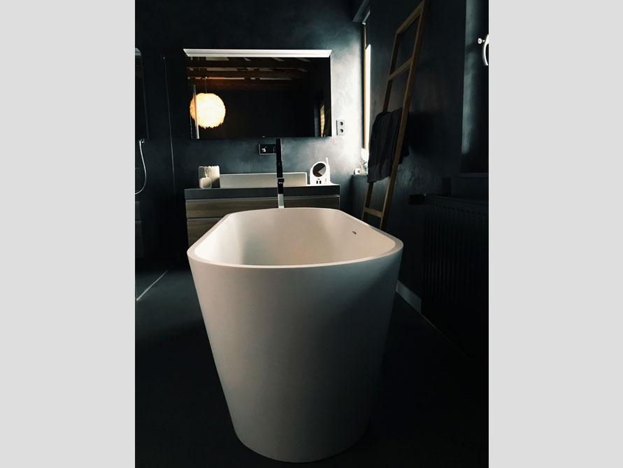 Bäder-Idee mit der freistehenden Badewanne Bologna