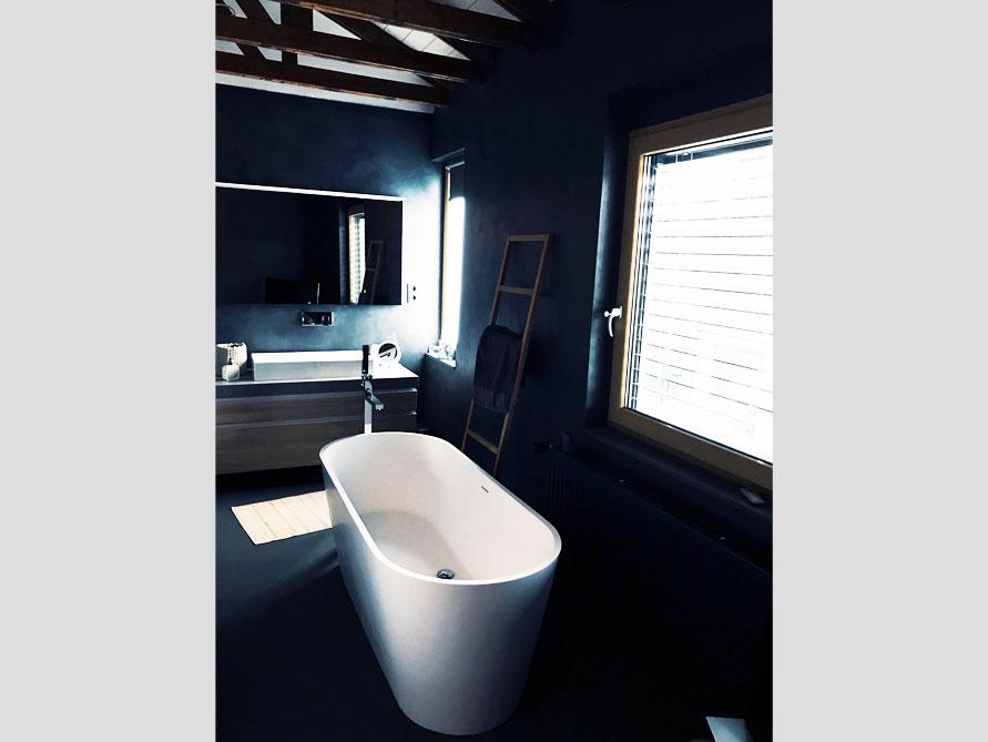 b der ideen mit der freistehenden badewanne bologna. Black Bedroom Furniture Sets. Home Design Ideas