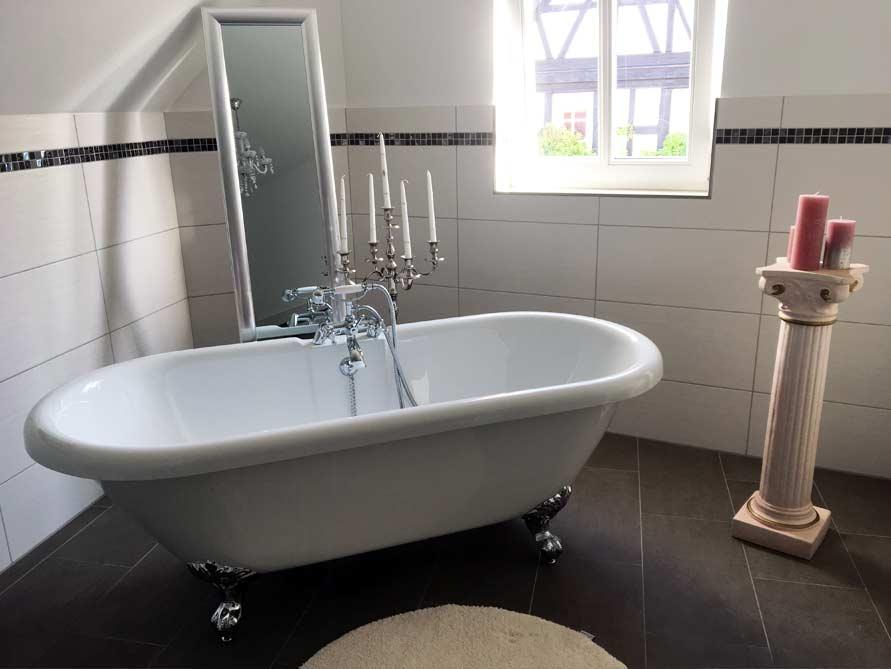 Bäder-Idee mit der freistehenden Badewanne Carlton 175