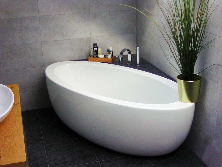 Bäder-Idee mit der freistehenden Badewanne Cartagena Grande