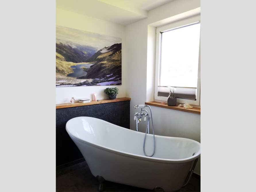 Bäder-Idee mit der freistehenden Badewanne Kingston 175