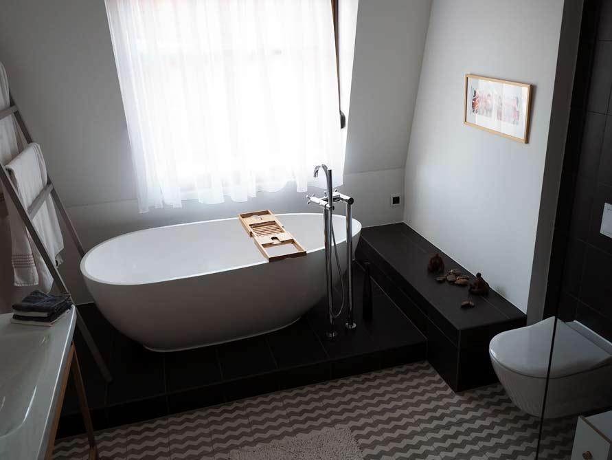b der idee luino freistehenden badewanne installierung armatur. Black Bedroom Furniture Sets. Home Design Ideas