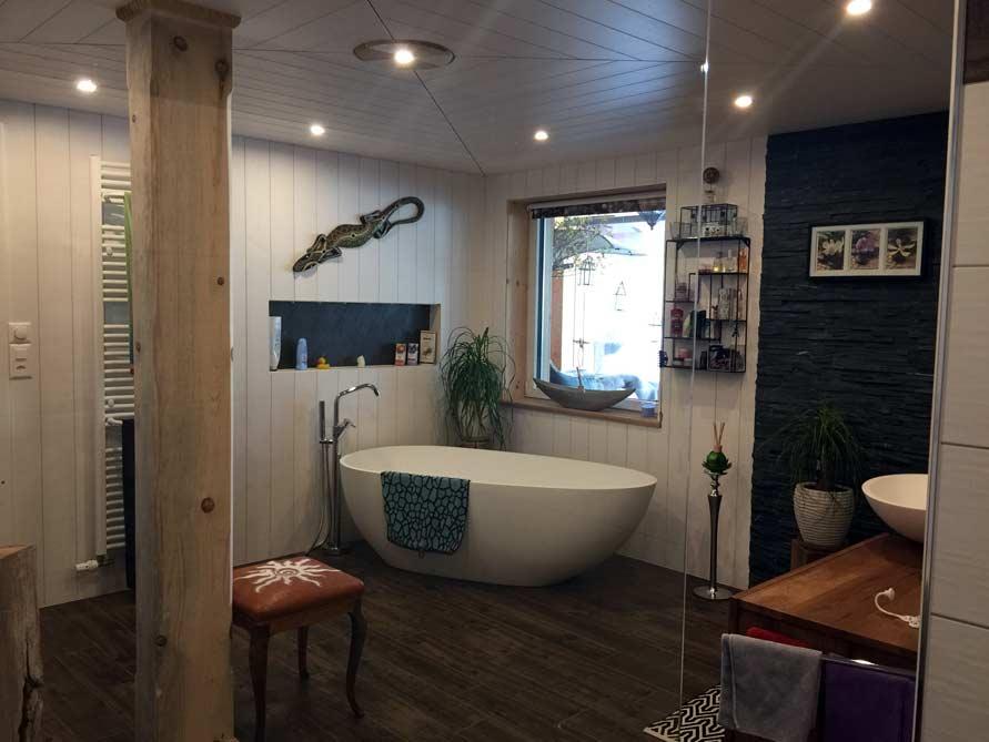 b der ideen mit der freistehenden badewanne luino. Black Bedroom Furniture Sets. Home Design Ideas