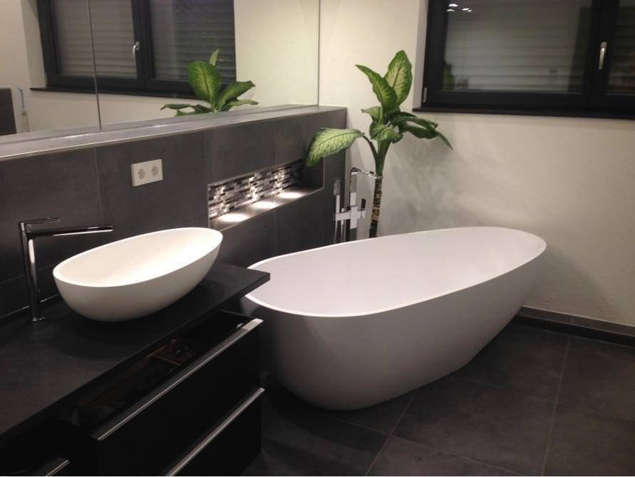Bäder-Idee mit der freistehenden Badewanne Luino Grande