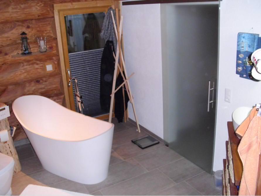 Bäder-Idee mit der freistehenden Nostalgie Badewanne Napoli