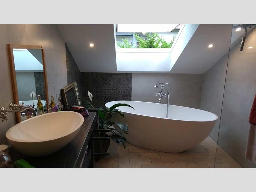 b der ideen mit freistehende badewanne piemont aus mineralguss aufsatzbecken cesano. Black Bedroom Furniture Sets. Home Design Ideas
