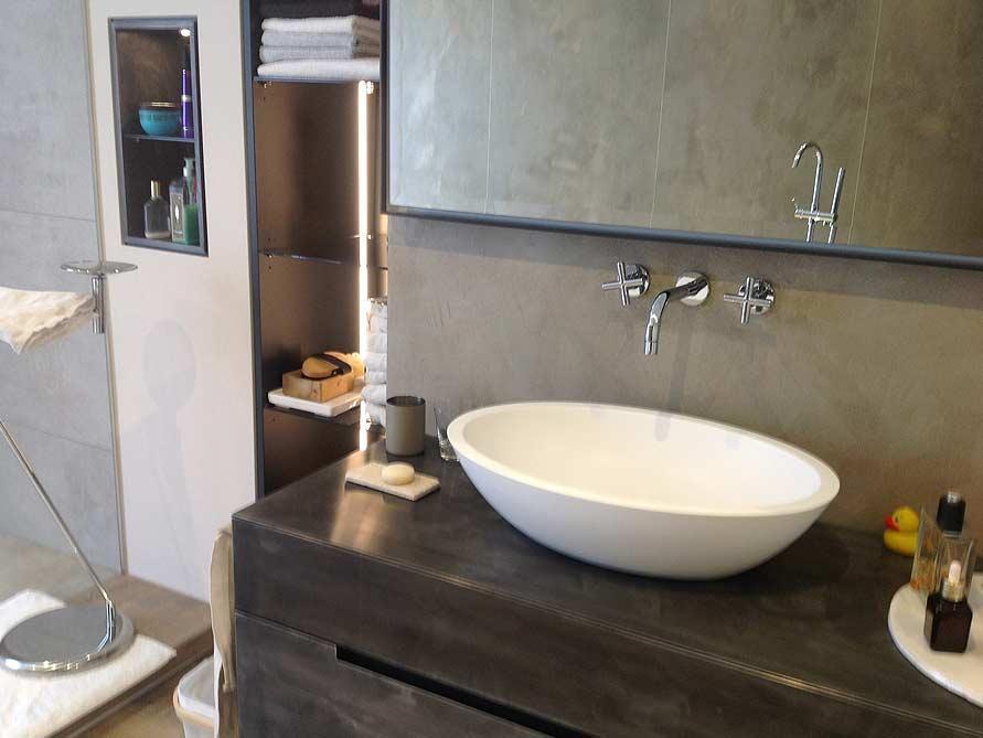 b der ideen mit freistehende badewanne piemont medio aus mineralguss aufsatzbecken sillaro. Black Bedroom Furniture Sets. Home Design Ideas