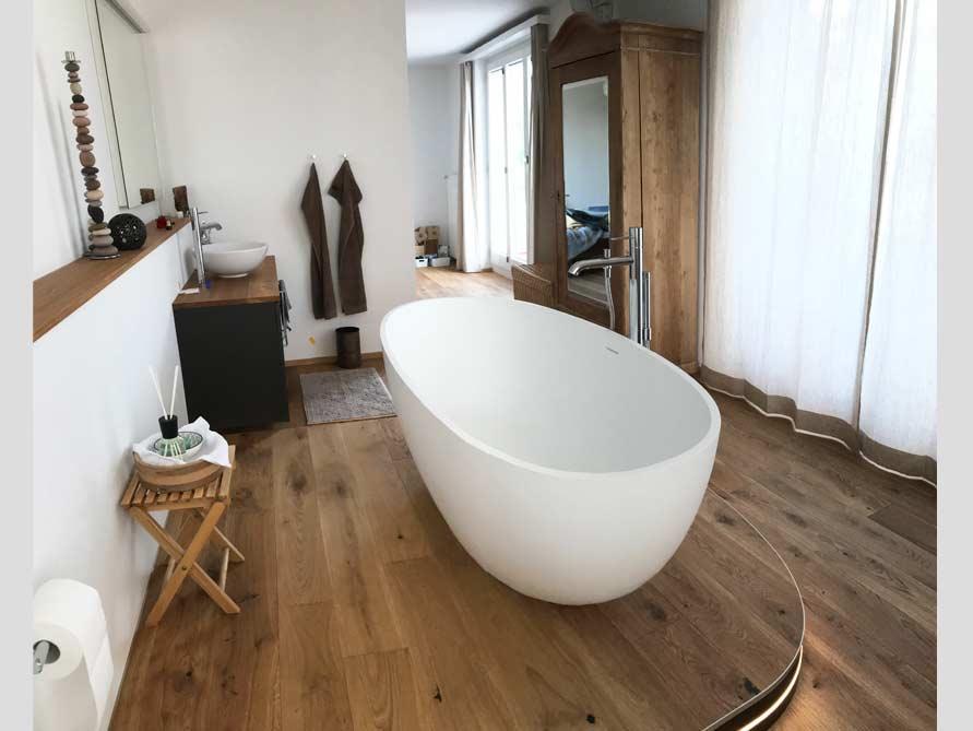 Bäder-Idee mit der freistehenden Badewanne Piemont Medio