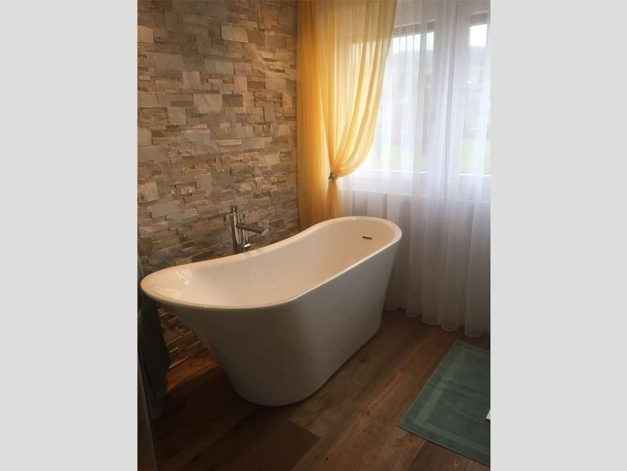 Bäder-Idee mit der freistehenden Badewanne Saragossa