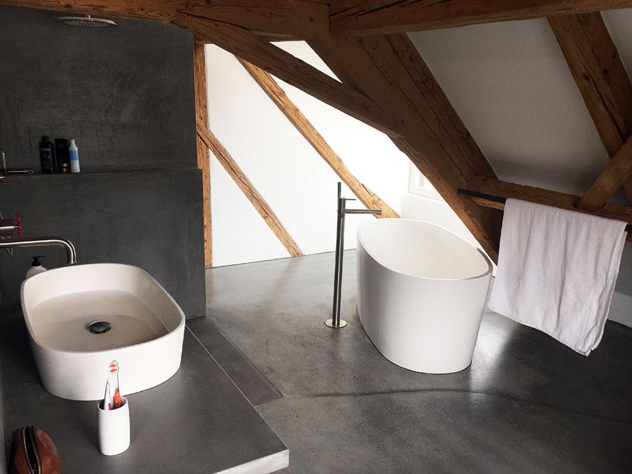 b der ideen mit freistehende badewanne varese aus mineralguss waschbecken musone. Black Bedroom Furniture Sets. Home Design Ideas