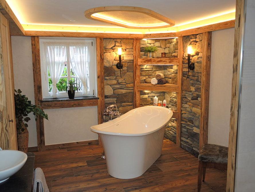 Bäder-Idee mit der freistehenden Nostalgie Badewanne Verona