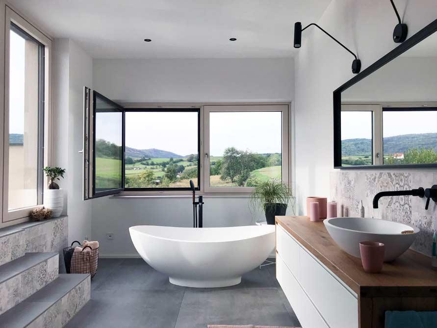 Bäder-Idee mit der freistehenden Badewanne Vicenza